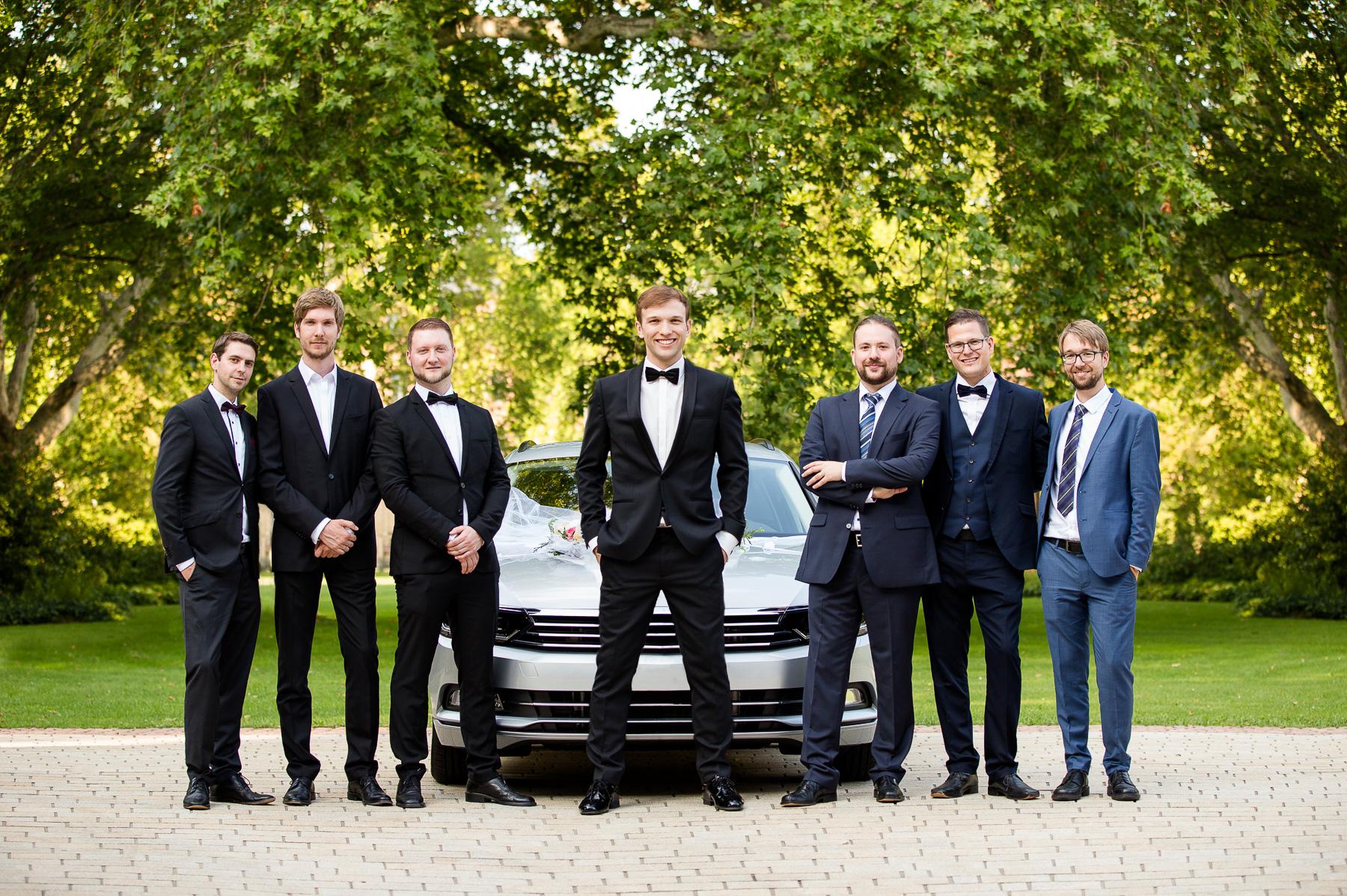 Der Bräutigam und sein Team